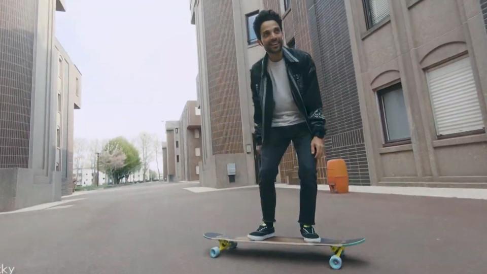 e7adcd499 Incríveis manobras de dança em longboard captadas por drone - Buzz Videos -  Your Viral videos website!